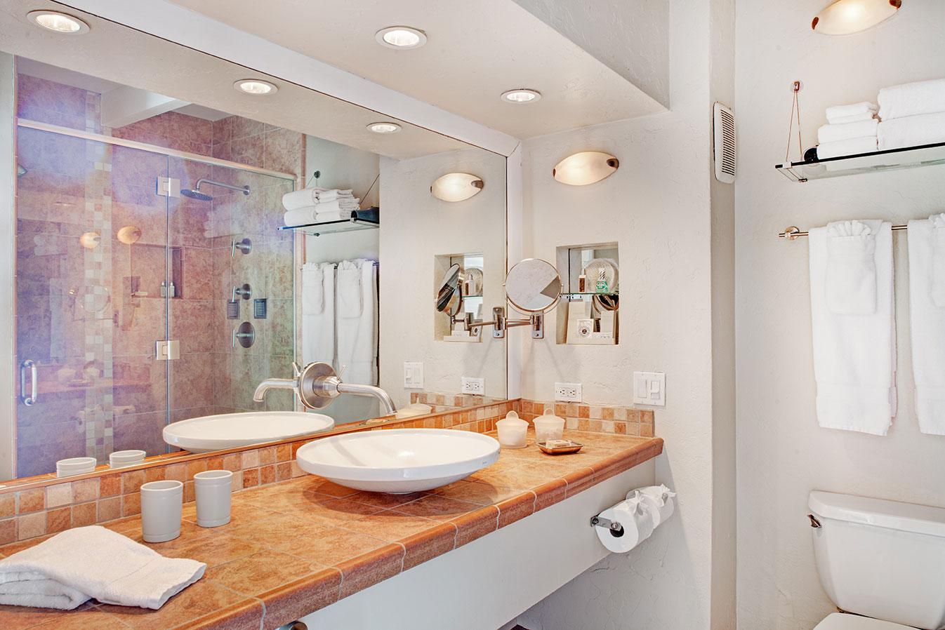 Grand Deluxe Suite bathroom at The Hacienda Gay Resort
